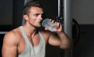 water drinken krachtsporter
